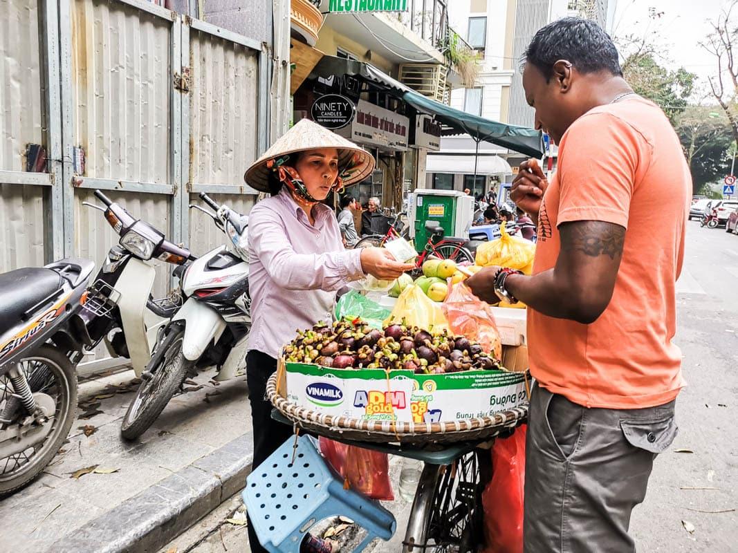 Jedzenie na ulicach Hanoi, Wietnam