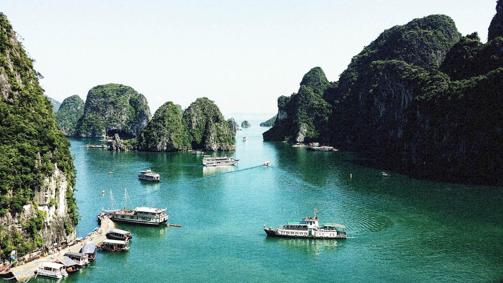 Cheap Ha Long Bay boat trip