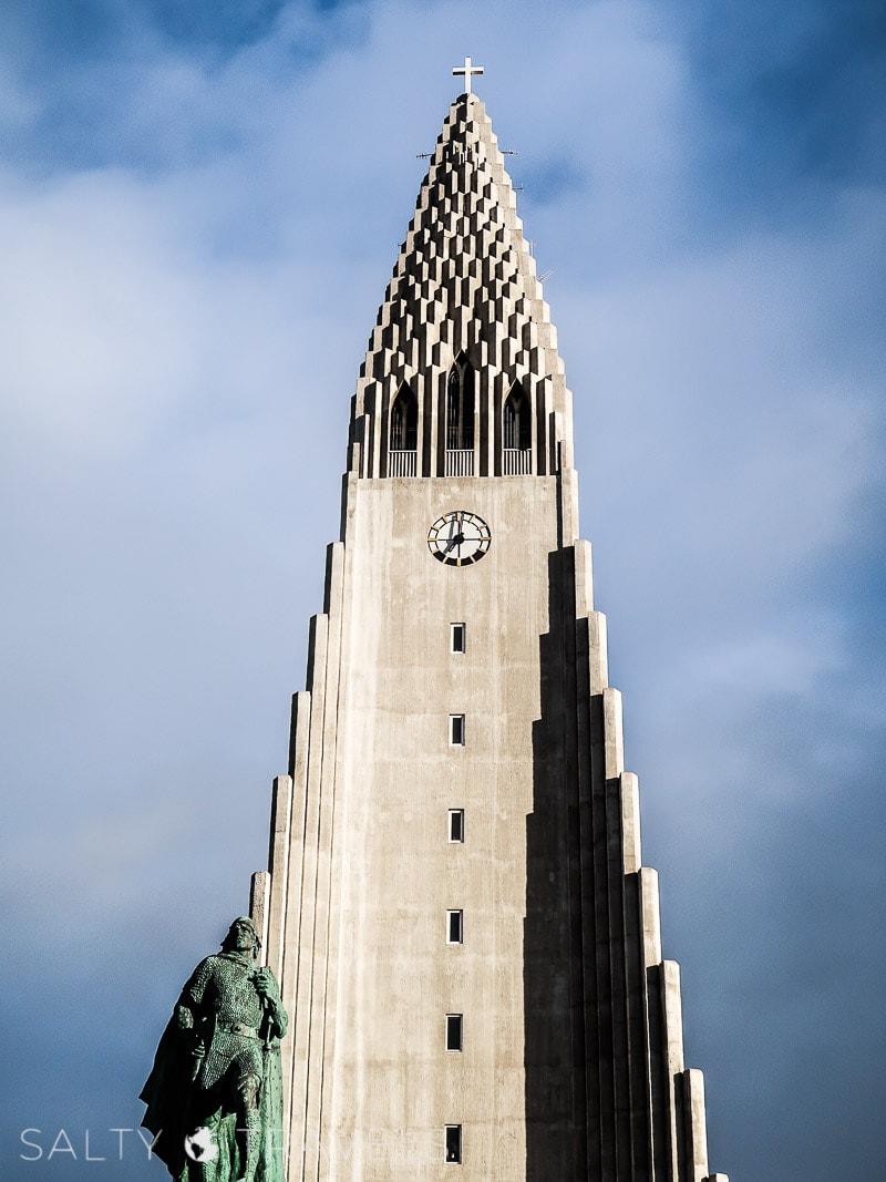 zwiedzanie Reykjaviku - kościół HALLGRIMSKIRKJA