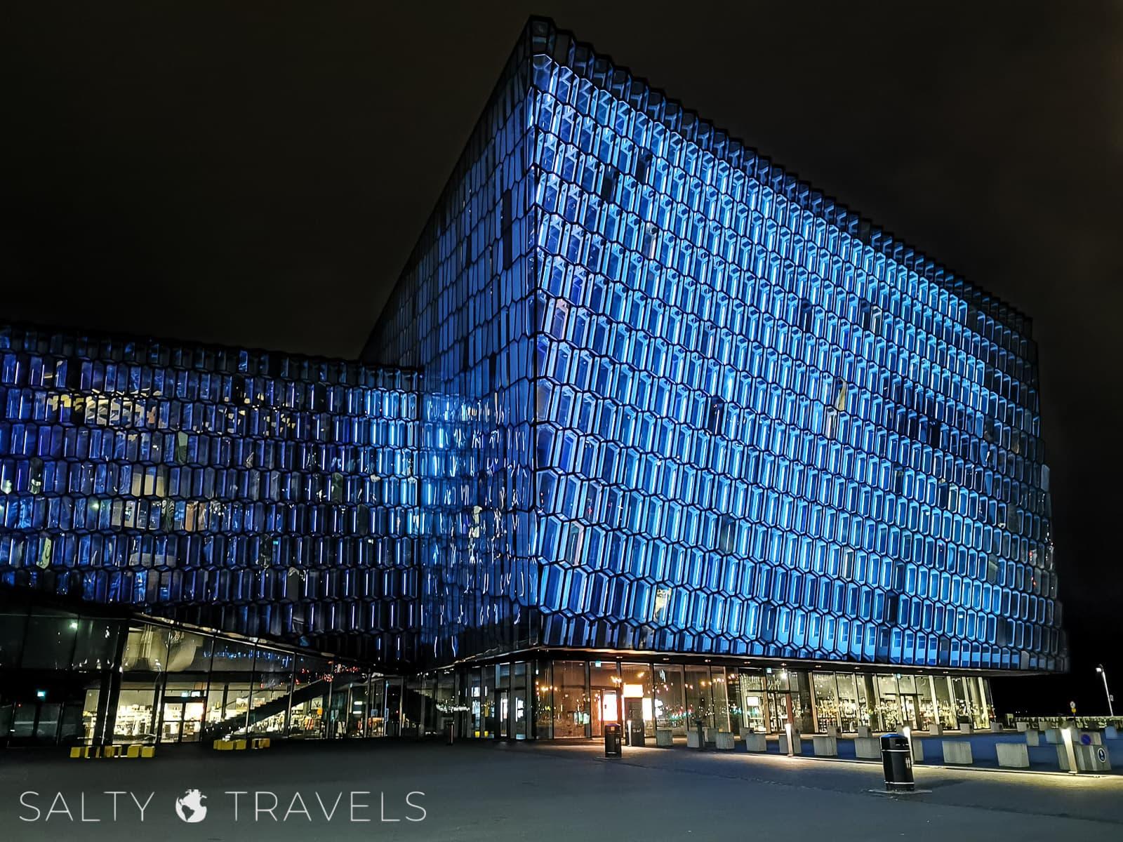 zwiedzanie Reykjaviku w czasie kwarantanny - HARPA CONCERT HALL